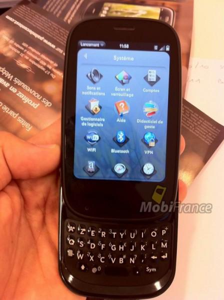 PalmPre2 001 448x600 MobiFrance: Svelate le prime foto di Palm Pre 2 in arrivo a Novembre