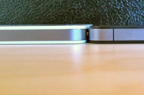 164154 tumblr lkdqkyjHla1qa45ly iPhone 4 bianco: le differenze con il modello nero non riguardano solo lo spessore