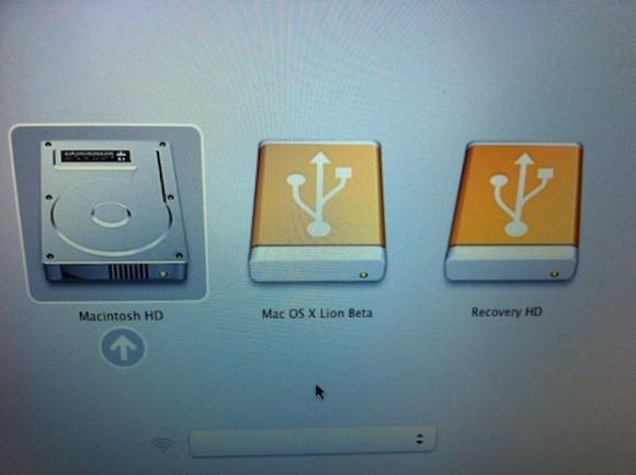 LionRecovery1 580x433 Mac OS X Lion genera in automatico una partizione di ripristino