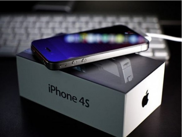 iPhone 4S 580x437 LiPhone 4S e liPod Touch 5 con il 3G saranno gli unici dispositivi presentati il mese prossimo da Apple