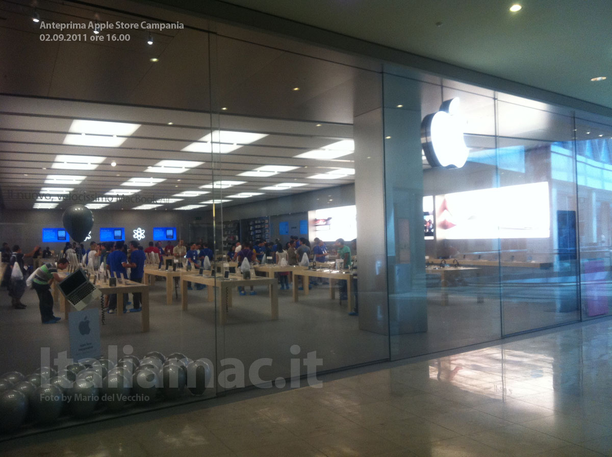 Anteprima video l 39 apple store campania poche ore prima for Apple store campania