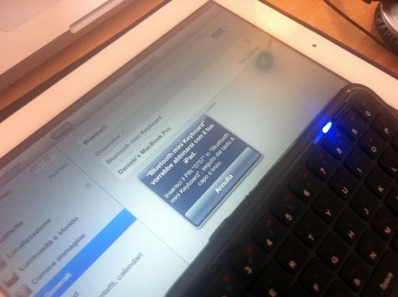 minibluetoothkeyboard bt 580x433 Mini Bluetooth Keyboard per iPhone e iPad