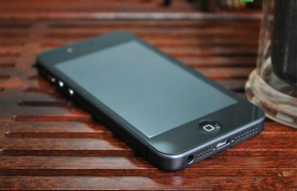 goophone i5 2 580x374 iPhone 5, il tarocco cinese si chiama Goophone i5 e ha Android. Ma può essere unipotesi veritiera del futuro iDesign?