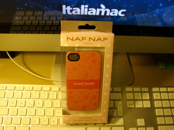 nafnaf2 580x435 Custodia Naf Naf per iPhone 4 e 4S by Proporta