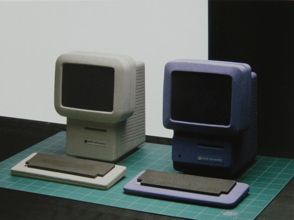 macintosh studi apple 580x434 MacPhone, il telefono, tablet e touchscreen Apple del 1985. Ma cè anche il Baby Mac, il Macintosh Studies e la  Flat Screen Workstation