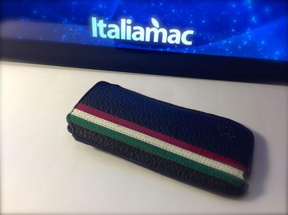 MBcases01 580x434 Custodia in vera pelle per iPhone, con tricolore e firmata MBcases