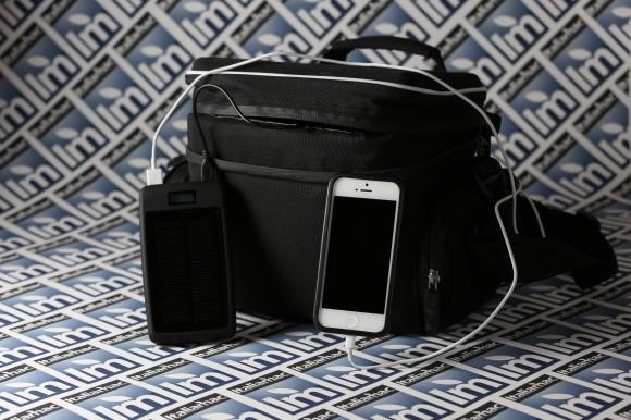 CF  9723 580x386 Aurora Camera Bag di A Solar   Ricaricare in sicurezza i nostri dispositivi