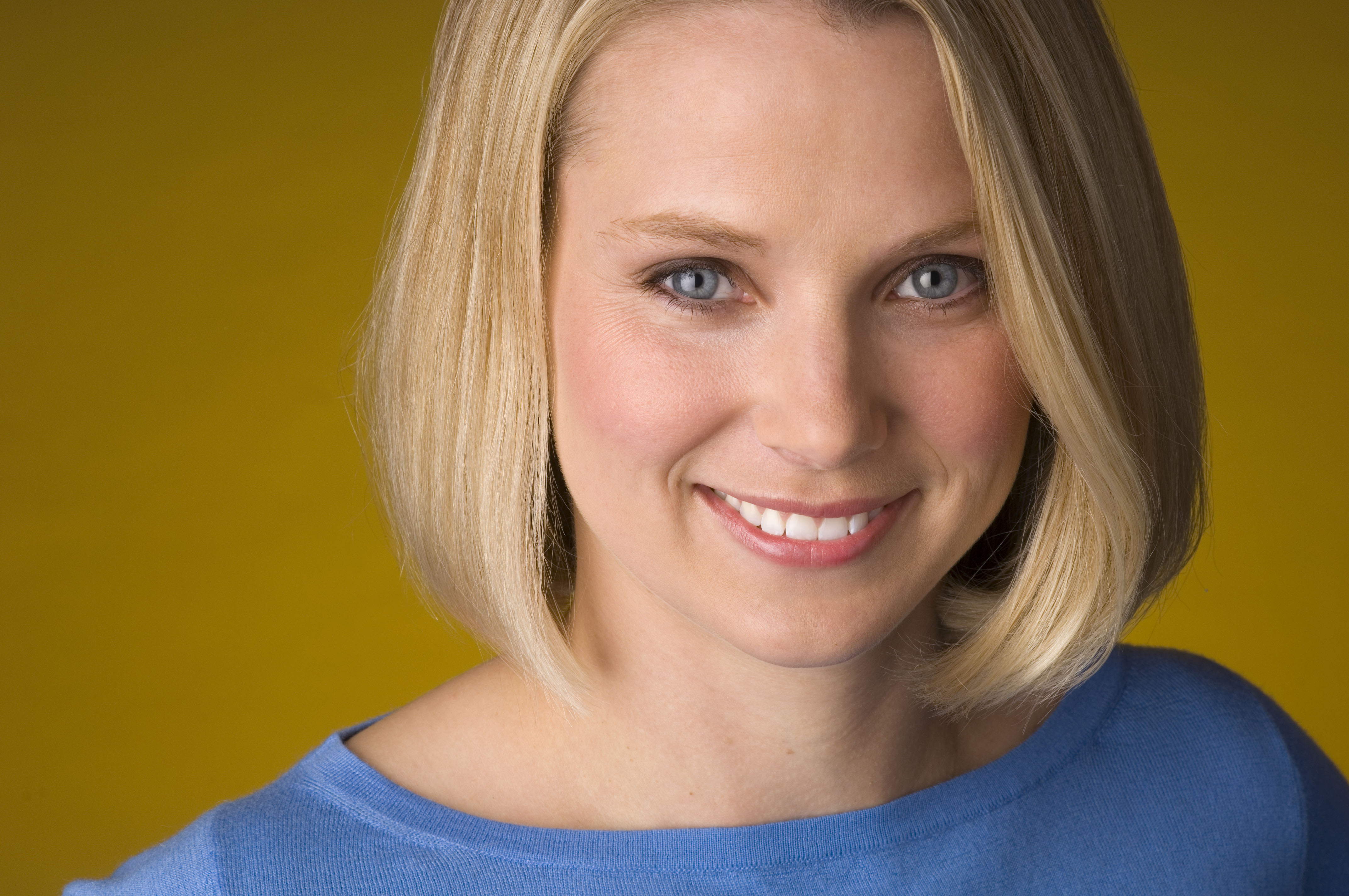Marissa Mayer CEO di Yahoo Yahoo! si svecchia: acquista Tumblr, ridisegna Flickr e approda su iOS 7
