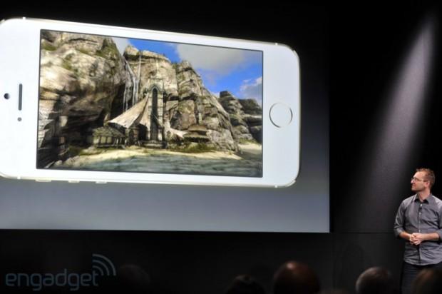 iphone2013 0158 620x412 Le prime immagini del nuovo iPhone 5s, in diretta dallevento di Cupertino di oggi