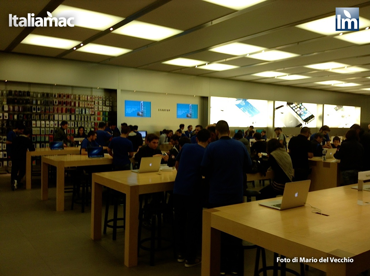 Italiamac all apple store campania per day one dei nuovi for Apple store campania