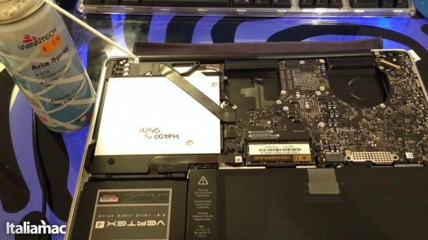Aria compressa 620x348 Guida: Pulire le ventole di MacBook Pro