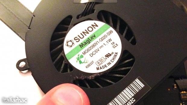 La polvere si accumula ovunque 620x348 Guida: Pulire le ventole di MacBook Pro