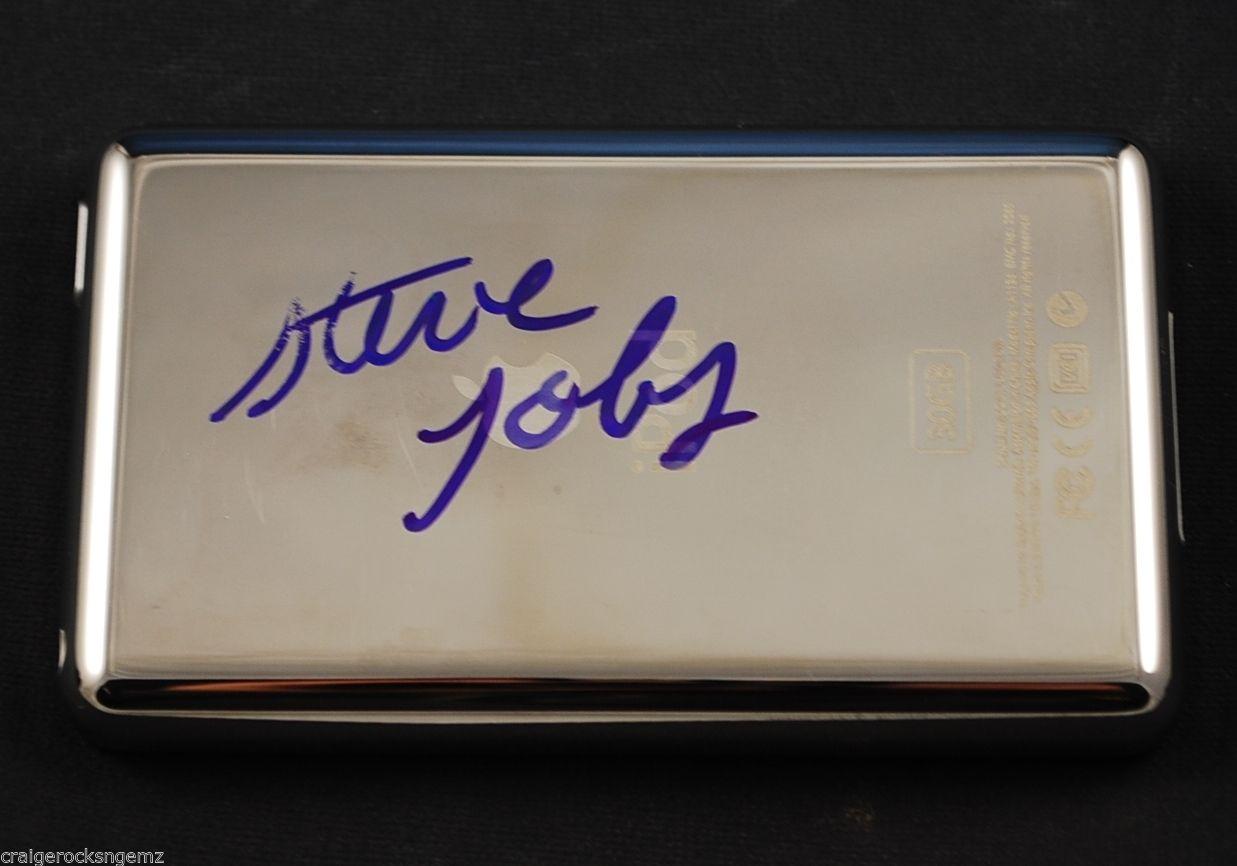 iPod autografato da Steve Jobs