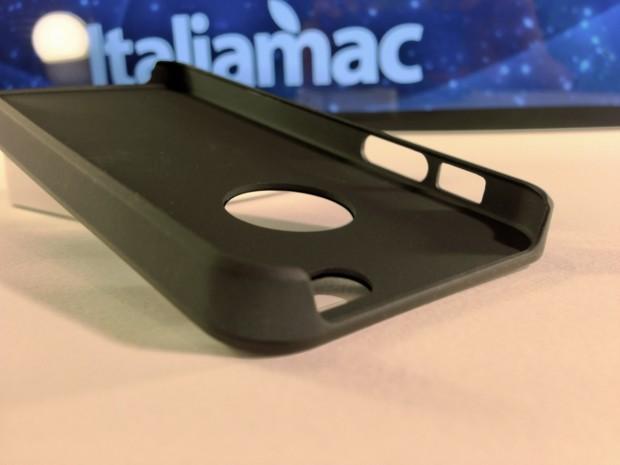 Aiino Italiamac Cover iPhone 011 620x465 Abbiamo provato le cover Aiino Steel (con parti in alluminio) e Rubber (materiale plastico)