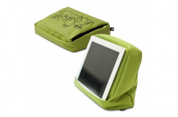 products detail big 527d0777154c5262891 620x409 Tabletpillow Hitech 2, un comodo cuscino per il tuo iPad
