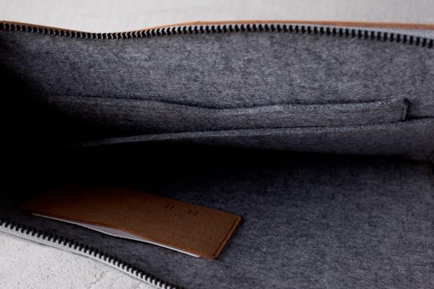 13 Macbook Folio Sleeve Tan Lifestyle 008 620x413 Mujjo Folio Sleeve, la cover che più sottile non si può!