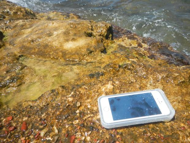 DSCN0890 620x465 Proporta: Custodia Amphibian per iPhone 5S, 100% impermeabile fino a 3 metri di profondità