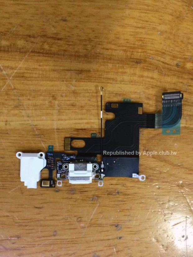 Lightningconnectorassembly 620x826 [RUMORS] Nuove foto che ritraggono il connettore Lightning del nuovo iPhone 6
