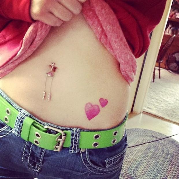 Emoji Tattoo Hearts 620x620 Ecco 15 tatuaggi di Emoji che vi lasceranno senza parole