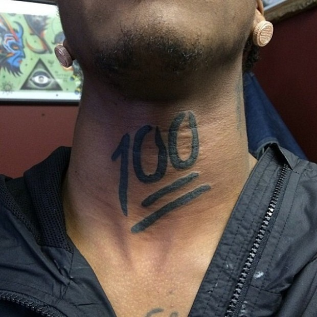 Tattoo Emoji - neck