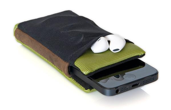 smartcase iphone5 pocket earpods grande Smart Case: il case intelligente per iPhone e …