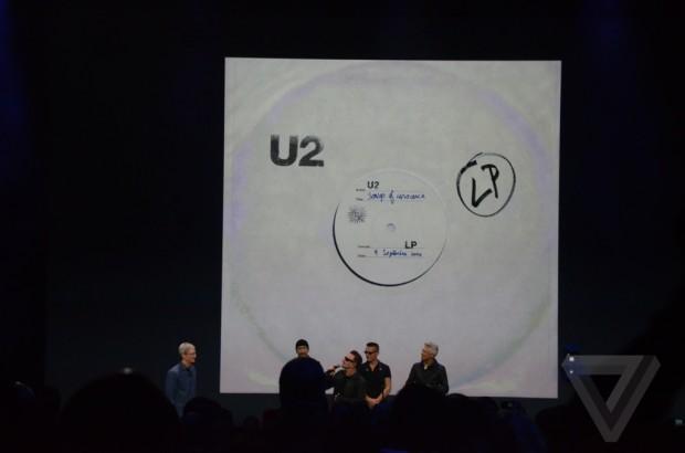 AppleEvent 1056 1 620x410 Apple e gli U2 regalano il nuovo album Songs of Innocence a oltre 500 milioni di utenti iTunes in tutto il mondo