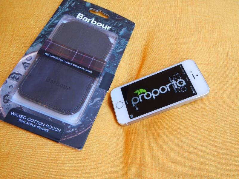 Proporta: Una Custodia a pochette per iPhone 5s /5 in tessuto originale Barbour