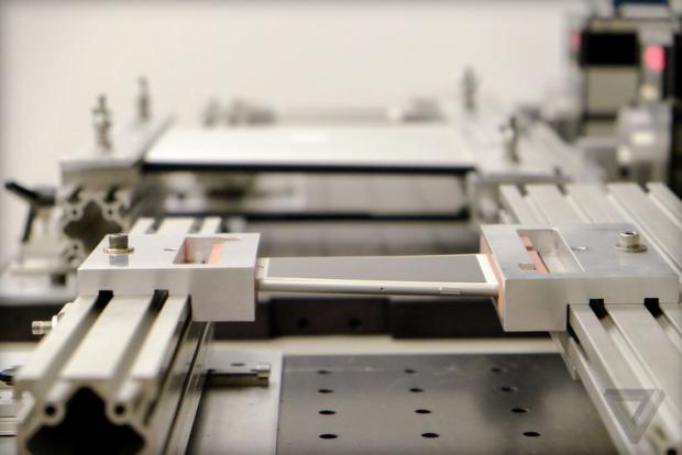 Schermata 2014 09 26 alle 20.11.47 620x414 [Video] Apple spiega come vengono eseguiti i test di resistenza e piegatura per iPhone 6 Plus