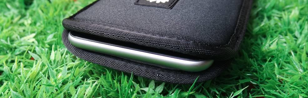 Crumpler cover neoprene 1 Crumpler Smart Condo 100, una cover a pochette per iPhone 6 Plus