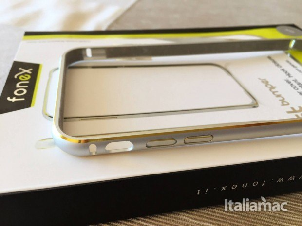 just bumper 4 620x465 JUST Bumper, una cornice elegante e quasi invisibile per iPhone 6