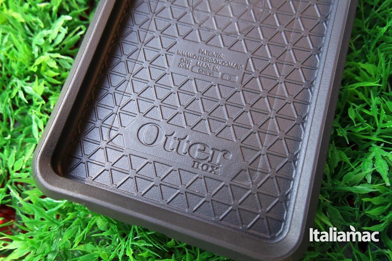 otterbox13 Otterbox, Symmetry Series Case, proteggi il tuo iPhone in ogni sua sezione