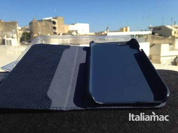 smart folio aperto 620x465 Smart Folio di Cable Technologies, la cover folio 2 in 1