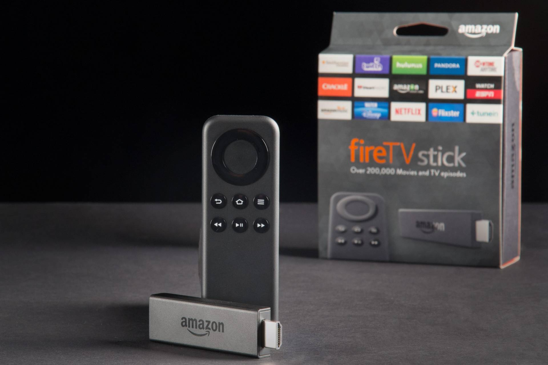 amazon fire tv stick boxbkgrnd Amazon presenta la nuova Fire TV con Alexa a $99