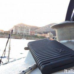 evoke mul 250x250 Evoke Solar Charger: Il caricabatterie con pannelli solari per tutti i dispositivi