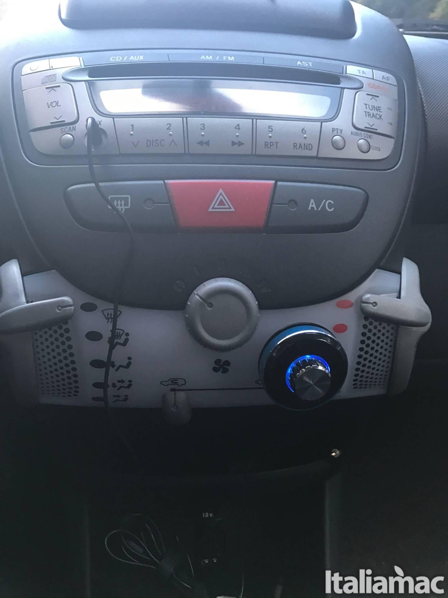cruscotto dodocool bluetooth ricevitore Musica, telefonate e Siri in auto con il ricevitore Bluetooth di Dodocool