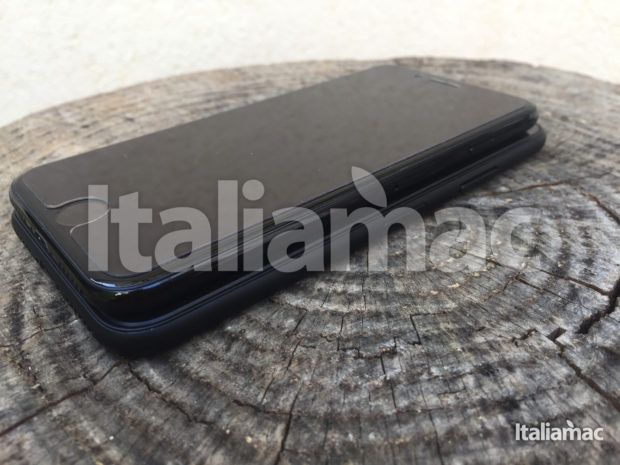 www.italiamac.it iphone 8 esclusiva anteprima iphone 8 exclusive 07 620x465 Scoop! Italiamac Shows You the iPhone 8 Sneak Preview! [Photo and video]