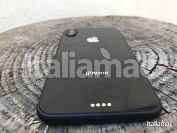 www.italiamac.it iphone 8 esclusiva anteprima iphone 8 exclusive 11 620x465 Scoop! Italiamac Shows You the iPhone 8 Sneak Preview! [Photo and video]