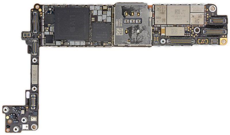 www.italiamac.it ifixit mostra cosa si cela dentro iphone 8 iphone8logicboard 800x470 iFixit mostra cosa si cela dentro iPhone 8