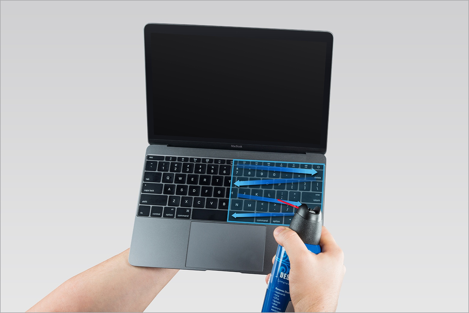 www.italiamac.it le soluzioni assurde di apple per pulire la tastiera dei nuovi macbook pro macbook cleaning keyboard front clean right Le soluzioni assurde di Apple per pulire la tastiera dei nuovi MacBook Pro