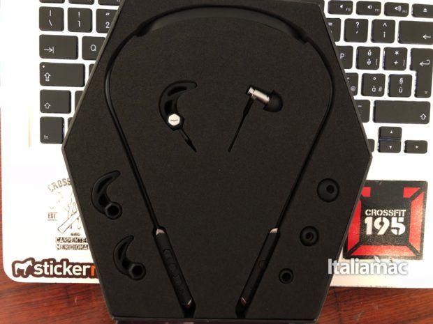 italiamac forza metallo wireless unbox 620x465 Forza Metallo Wireless, gli auricolari di V Moda personalizzabili